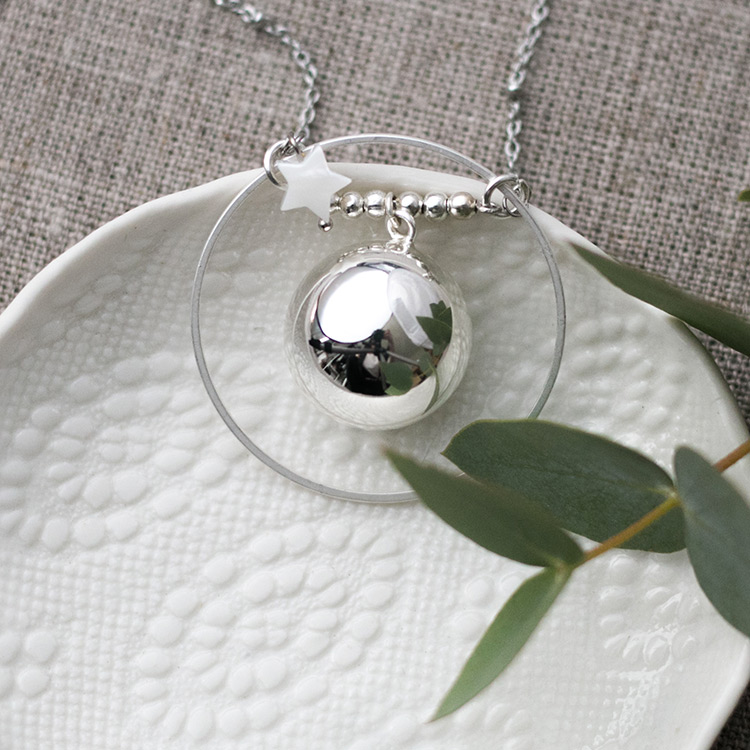 Pregnancy necklace elegant